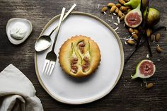 Fig Frangipane Ingredients: - tart 225 g unsalted butter 100 g caster sugar 1 egg, beaten 350 g plain flour 6 fresh figs, rinsed and towel dried frangipane filling 100 g unsalted butter 100 g caster sugar 3 eggs 40 g plain flour 125 g ground almonds icing sugar Read the full article on my website!