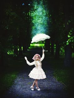Lady of the Mansion photographed by Pekka Akin -  Self-made dress and decorated hat - Frillycakes
