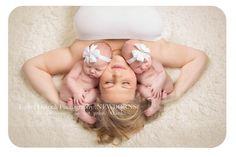 twin photography, newborn twins, identical twin girls, mom and newborn picture, twin girl photography