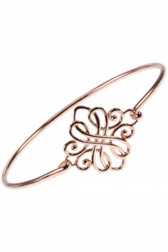 this adorable bangle is graced by an intricately designed ornate closure I NEWONE-SHOP.COM