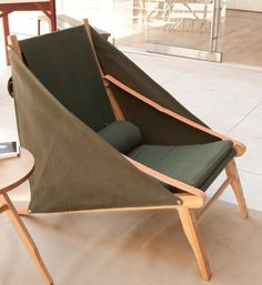 A Cutting-Edge Camp Chair, Made in LA French-Colonial-meets-LA-patio in the latest design from Gabriel Abraham of Ateleir de Troupe. The LA set designer has added the Bivouac Lounge Chair to hi Glamping, Chair Design, Furniture Design, Teak Furniture, Kids Furniture, Garden Lounge Chairs, Folding Lounge Chair, Deck Chairs, Outdoor Lounge