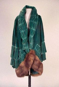 98dd2ad6ca5 teal silk velvet evening coat Remove fur and ground with contrast luster. I  like the gathered technique in lieu of fur collar.