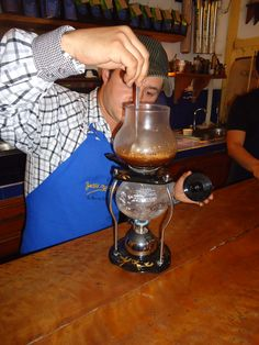 Uno de los métodos para preparar café más comúnes