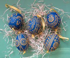 Polish Easter, Egg Photo, Ukrainian Easter Eggs, Diy Ostern, Egg Art, Egg Decorating, Dot Painting, Design Crafts, Easter Crafts