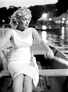 Hell yes she would be rowing the boat Marilyn Monroe photographed by Sam Shaw, circa 1957.