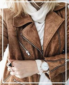 Loving the color of the leather jacket. That style is pretty perfect. I've been wanting a moto jacket for quite a while Over 50 Womens Fashion, Fashion Over 50, Suede Jacket, Leather Jacket, Moto Jacket, Blazer Fashion, Fashion Outfits, Fashion Hats, Fashion Accessories