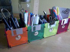 Cool diy organizer from floppy discs