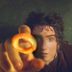 The Lord of the Onion Rings My precious 💍 My Precious, Onion Rings, Funny Moments, Lord, Onion Strings