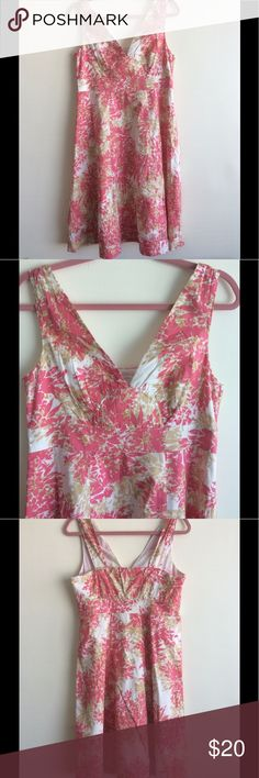 Garnet Hill Coral Cotton Floral Dress Lined dress with full skirt, 100% cotton. In great condition, very pretty and lightweight! Garnet Hill Dresses Midi