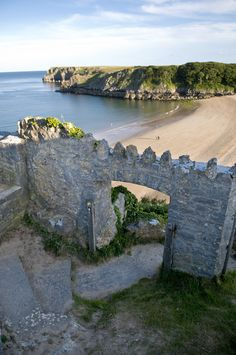 This has got to be the coolest entrance to a beach anywhere in the world. Wales Snowdonia, Pembrokeshire Wales, Wales Uk, South Wales, Barafundle Bay, Swansea Bay, England And Scotland, Places Of Interest, Great Britain
