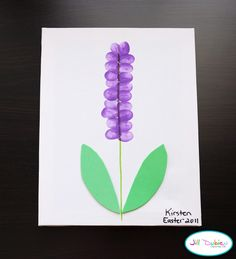 Tiny thumb print cards--hyacinth flower  Fun with fabric for leaves... Classroom Crafts, Daycare Crafts, Toddler Crafts, Spring Crafts For Kids, Summer Crafts, Spring Flowers Art For Kids, Spring Art, Spring Time, Happy Spring