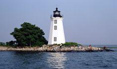 Fayerweather Island (Black Rock Harbor) Lighthouse, Connecticut at Lighthousefriends.com