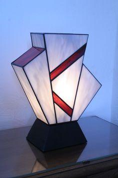 "Lampe vitrail Tiffany ""Simplissime Violine"""
