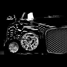 Bentley Mulsanne grill and headlights 2012 available for rental in Cote d'Azur and Paris by Saintrop.com!