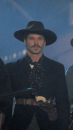 Val Kilmer as Doc Holliday ❤❤❤ Western Photo, Western Film, Western Movies, Western Art, Val Kilmer Jim Morrison, Top Gun, Tombstone Movie, Tombstone 1993, Doc Holliday Tombstone