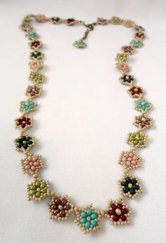 Necklace made with little balls and colored beads. - Best Picture For fine jewelry For Your Taste You are looking for something, and it is going to te - Diy Jewelry, Jewelry Gifts, Beaded Jewelry, Jewelery, Jewelry Accessories, Handmade Jewelry, Jewelry Necklaces, Jewelry Making, Tutorial Colar