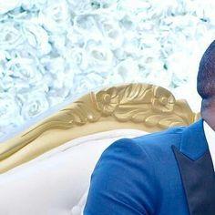 #caption this #moment Couples:  @fidelaimah @patriciaeboda Photo by @klalaphotography  #photography #instagrids #weddingswelove #Gidiweddings #nigeriaweddings #naija #weddings #kiss #weddingkiss #weddedwonderland #weddedbliss #photos #fans