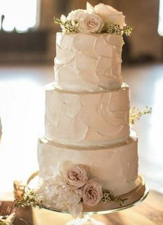 Wedding cake idea; Featured Photographer: Cristina G Photography