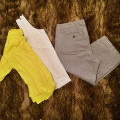 """Stretchy Gap Capris These stretchy Gap capris are """"curvy fit."""" I wore them to work and church - they are like capris slacks. 98% cotton. 2% spandex. Good condition. There are no stains or holes. GAP Pants Ankle & Cropped"""