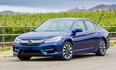 2017 Honda Accord Hybrid Touring -- Confused about what to buy? Call 1-800-CAR-SHOW for a Product Specialists who will help you for FREE. 300 models to choose from: Coupes, Sedans, Station Wagons, Minivans, Crossovers, SUVs, Pickup Trucks