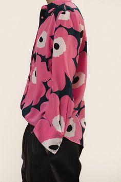 Marimekko's online home for the Pavot shirt in Fall Fashion. Kids Fashion, Autumn Fashion, Womens Fashion, Green Fashion, Vintage Outfits, Vintage Fashion, Fashion Forecasting, Marimekko, Stylish Dresses