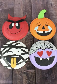 Emoji Halloween Paper Plate Crafts Halloween craft for kids. Instructions for 4 separate emoji Halloween paper plate crafts. Includes a pumpkin, vampire, mummy and devil. Halloween Paper Crafts, Manualidades Halloween, Paper Crafts For Kids, Preschool Crafts, Holiday Crafts, Pumpkin Crafts, Paper Pumpkin, Construction Paper Crafts, Homemade Halloween