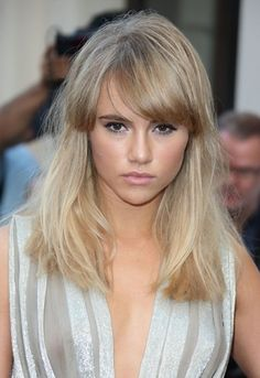 We love Suki Waterhouse's full fringe and blunt style. Why not give her look a go and try Great Lengths hair extensions #newyearhair