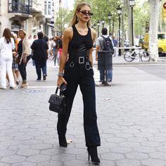 all black outfit Moda Instagram, Jourdan Dunn, High Fashion, Womens Fashion, All Black Outfit, Color Negra, Leather Fashion, Instagram Fashion, Foto E Video