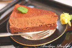 Blog Bo(ro)n Appétit: Baileys Parfait, czyli czekoladowy biszkopt z musem Baileys