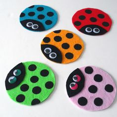 Cute ladybugs made from recycled CDs or DVDs and felt! A great summer craft, and fun as a group project too.