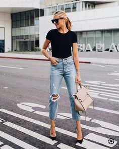46 wunderbare zerrissene Jeans Winter Outfits Ideen casual outfits with heels - Casual Outfit Style Outfits, Mode Outfits, Jean Outfits, Casual Outfits, Fashion Outfits, Jeans Fashion, Casual Friday Work Outfits, Hijab Casual, Heels Outfits