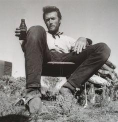 Clint Eastwood 1966 En el set de Lo bueno lo malo y lo feo.