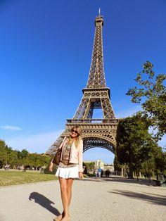 A Torre vista do Champ de Mars