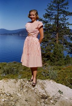 40s fashion | Tumblr red white play suit dress crop top cut out full skirt cotton 50s 50s lake tahoe day wear casual