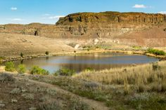 QUINCY, WA - Ancient Lakes - Eastern Washington -- Wenatchee Washington Department of Fish and Wildlife -- waterfall and lakes in the desert.  4.0 miles roundtrip.  10 foot elevation gain.
