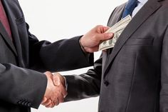 'Eleições: Grandes empresas alimentam corrupção'   (Clique no Site)