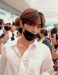 Taeyong, Jaehyun, Nct U Members, Culture, Wattpad, Juni, Airport Style, Kpop Aesthetic, K Idols