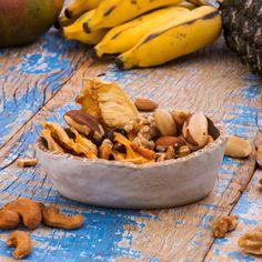 Snack Sabor do Cerrado #snacks #healthysnacks #naturalsnacks #almonds #madeinnatural #dehydratedfruits #brazilnuts #trailmix #castanhadecaju #