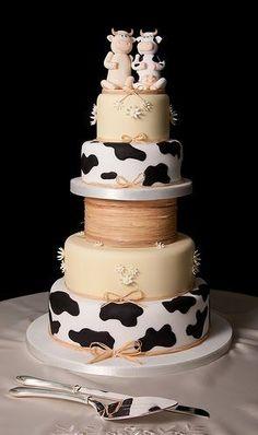 Cow Weddyng cake