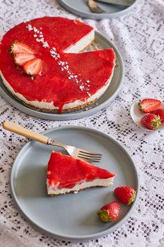 A legkirályabb epres sajttorta - sütés nélkül!   Street Kitchen Mousse, Cake Recipes, Pancakes, Cheesecake, Food Porn, Sweets, Cookies, Dinner, Breakfast