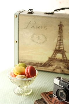 Macaron - Paris -Eiffel Tower Such sweet treats remind me of our trip to Paris! ;)
