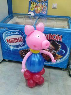 Peppa Pig también se ha pasado a la moda de las figuras de globos en Dulce Diseño Almería.