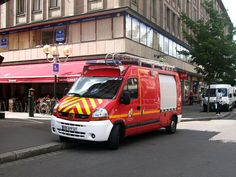 Renault Master sapeur-pompiers Strasbourg (2012) - Véhicule tout usage en France.