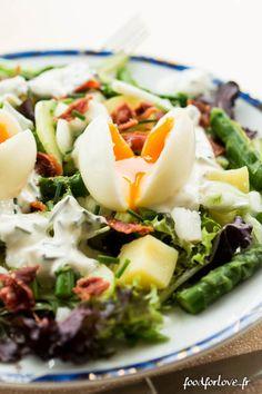Salade aux Oeufs Mollets, Pommes de terre, Concombre et Asperges Vertes - Food for Love