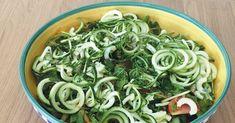 Courgette walnoot salade | Gezonde lunch | Makkelijk Afvallen Green Beans, Spinach, Spaghetti, Paleo, Vegetables, Ethnic Recipes, Food, Salads, Essen