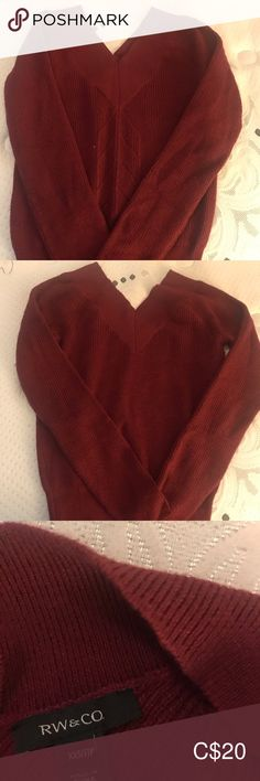 Almost new V neck sweater V neck sweater in burgundy Sweaters V-Necks Sweaters For Women, Men Sweater, Burgundy Sweater, V Neck, Best Deals, Closet, Things To Sell, Style, Fashion