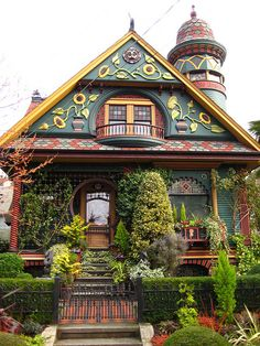 Fairy tale painted cottage in Seattle takes whimsical to new heights! A real charmer! Wonder what it's like inside?