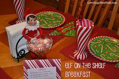 elf on the shelf surprise candy cane theme plates/breakfast