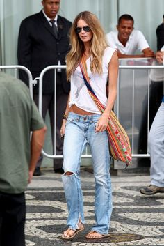 elle macpherson, I love you and your boyfriend-jeans