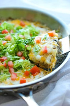 Easy Taco Pie - The easiest, cheesiest pie you will ever make in a single skillet in just 30 min - perfect for those busy weeknights and picky eaters!